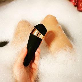 Использование стимулятора Satisfyer Pro 3 в ванной